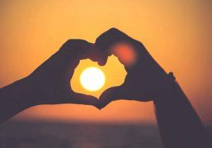 Thơ tỏ tình ngắn, thơ tỏ tình 4 câu dễ thương không thể từ trối