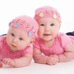 Hình ảnh cặp đôi em bé song sinh, sinh đôi dễ thương nhất