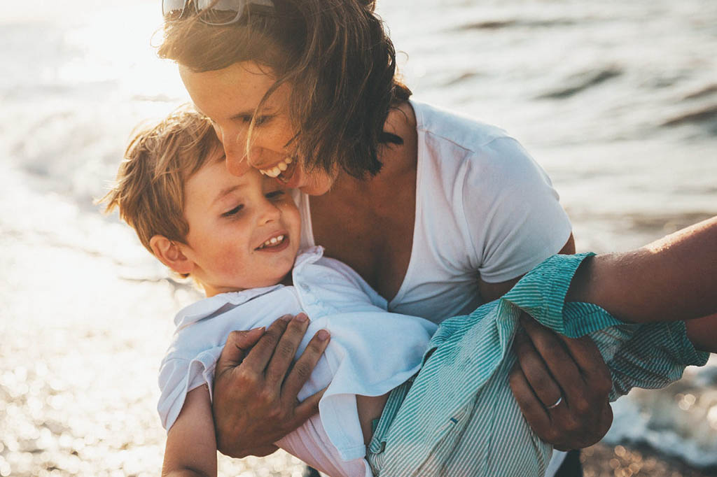 STT Mẹ Yêu, 80+ Status Về Mẹ Hay & Ý Nghĩa Nhất Con Dành Tặng Mẹ
