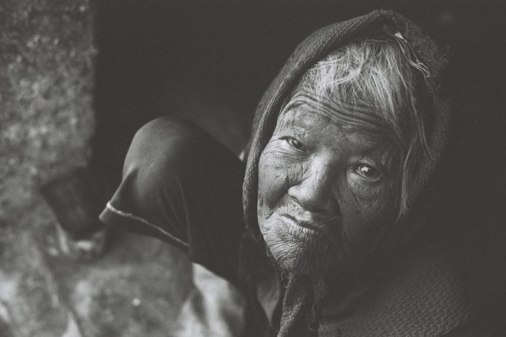 Tuyển Tập 15 Bài Thơ Bà Và Cháu Với Những Kỷ Niệm Ngọt Lành